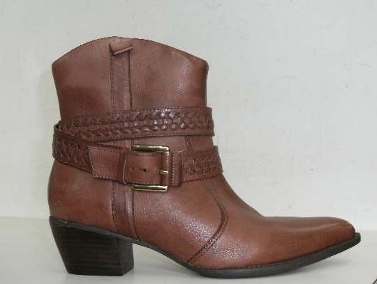 botas-de-cano-curto-country